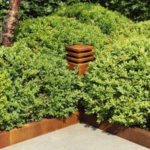 tuinvoorbeelden cortenstaal in de tuin