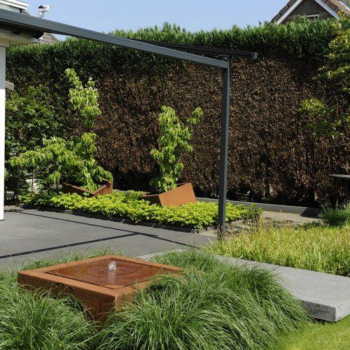 Cortenstaal in de tuin, een architectonisch tintje