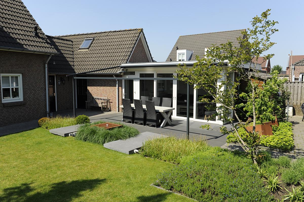 Moderne tuin geef uw tuin een luxe uitstraling bindels tuinen - Maak een eigentijdse tuin aan ...
