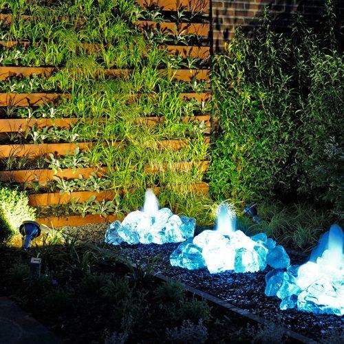 Verlichte tuin, sfeervolle tuinverlichting geeft net dat beetje extra
